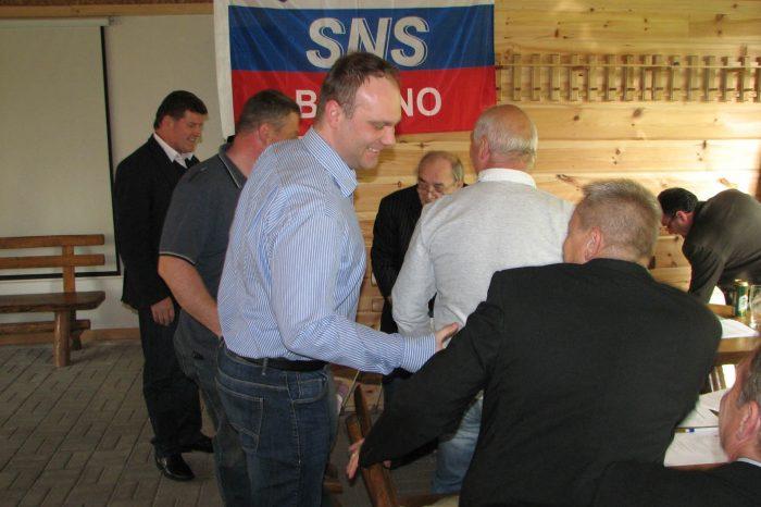 Strieborná futbalová medaila národniarov z Košíc IV