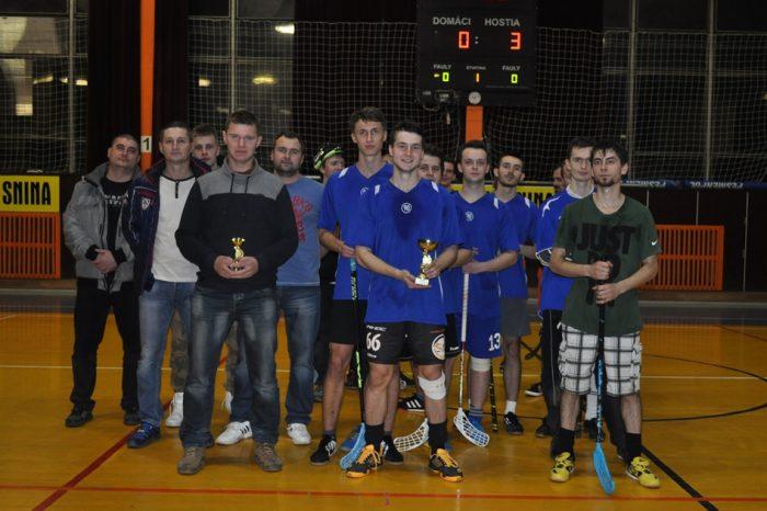 Mládež SNS: Florbalový turnaj v Snine