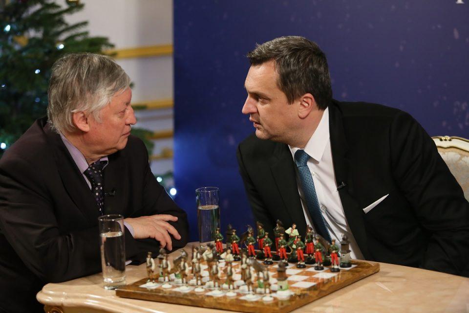 A. Danko a A. Karpov - O šachu a politike