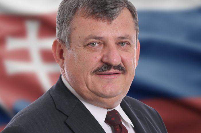 Anton Hrnko: Vyznamenania pri príležitosti vzniku SR by mali byť aj pre tých, ktorí sa o SR zaslúžili