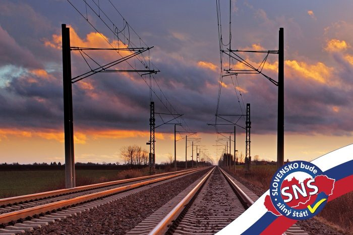 SNS navrhuje STOP vlakom zadarmo pre poslancov NR SR