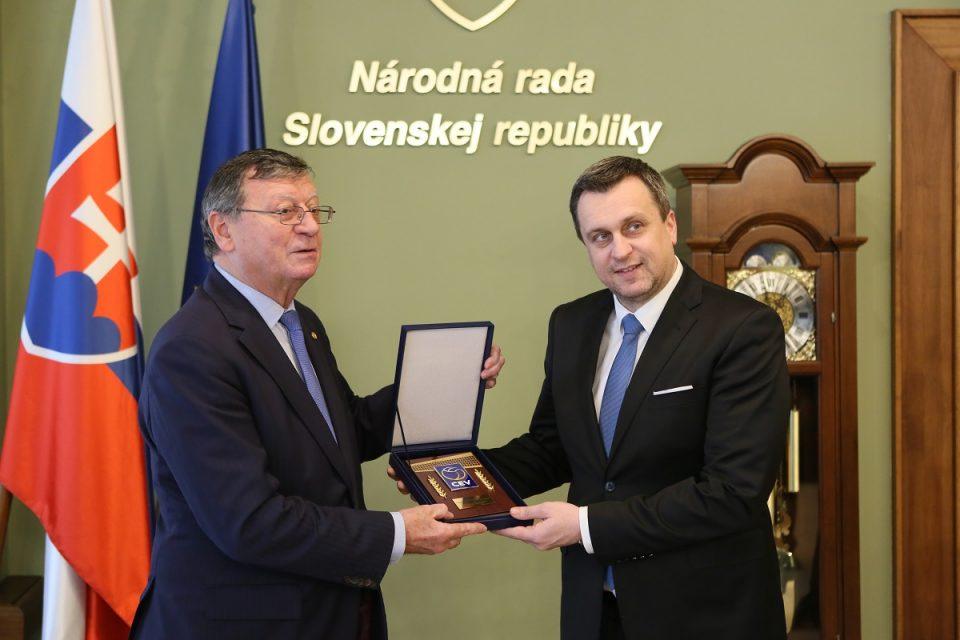A. Danko - Stretnutie s prezidentom Európskej volejbalovej konfederácie Aleksandrom Boričićom