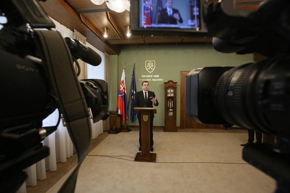 A. Danko - Po stretnutí s veľvyslancami a po podpise do kondolenčnej knihy na Veľvyslanectve RF v SR