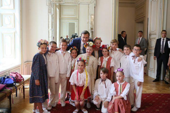 A. Danko sa dnes v Primaciálnom paláci zúčastnil podujatia Folklórna jar Juraja Jánošíka