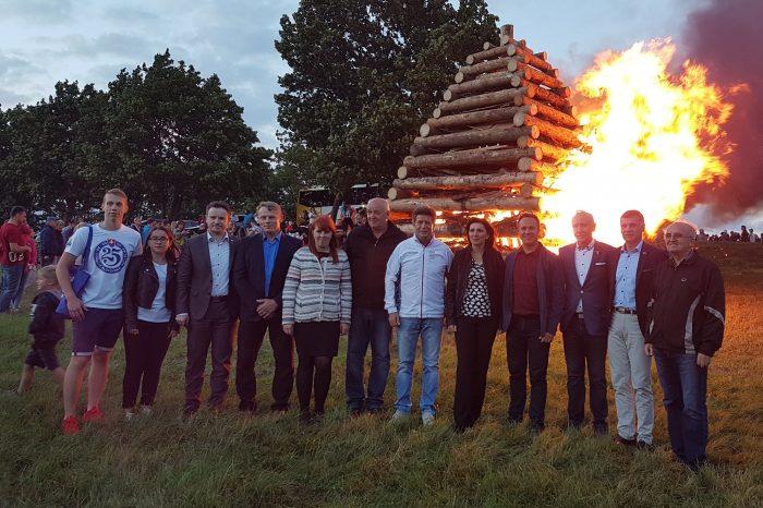 Šesťmetrová Vatra zvrchovanosti horela nad Liptovským Mikulášom
