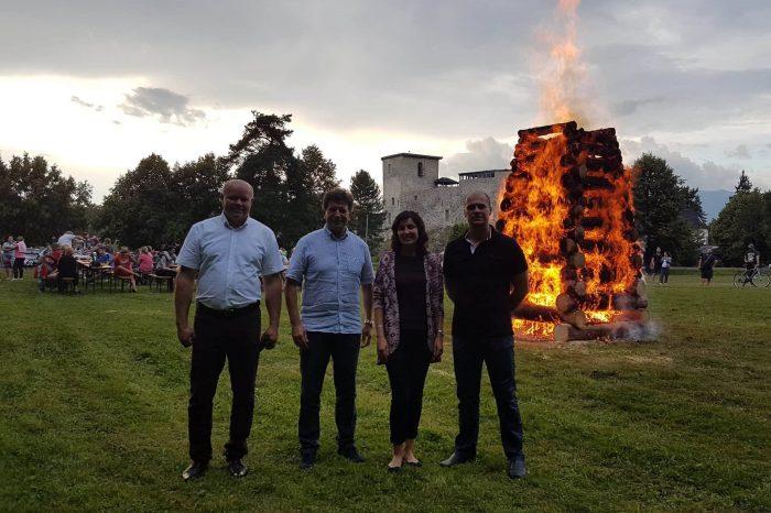 Národniari dali bodku za Vatrou zvrchovanosti v najmenšom liptovskom meste