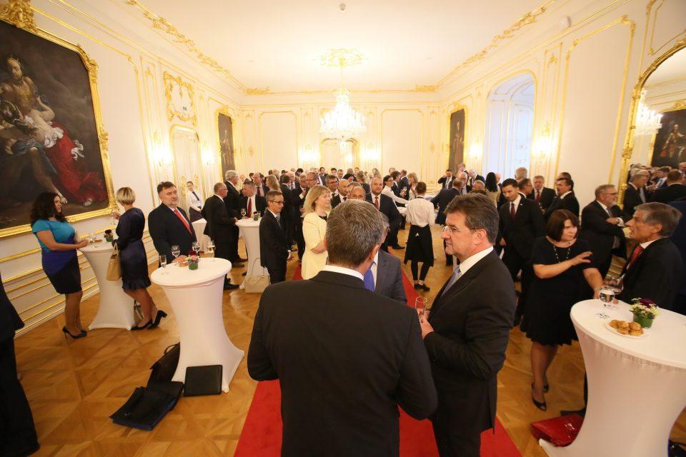 A. Danko - Stretnutie so 75 veľvyslancami na Bratislavskom hrade