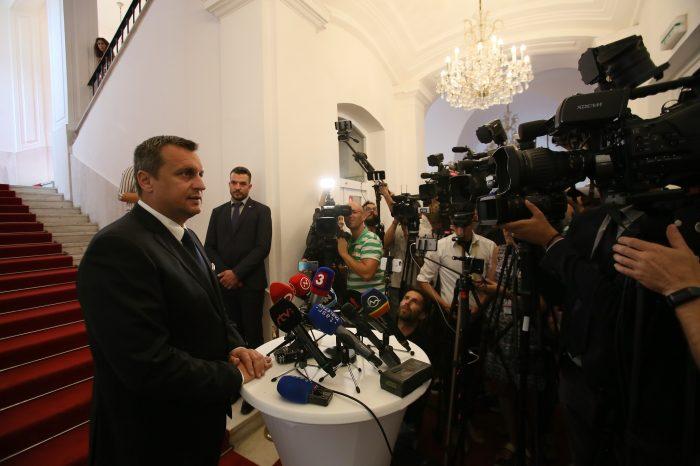 Ak niekto Slovensko podviedol a zneužil, musí byť potrestaný