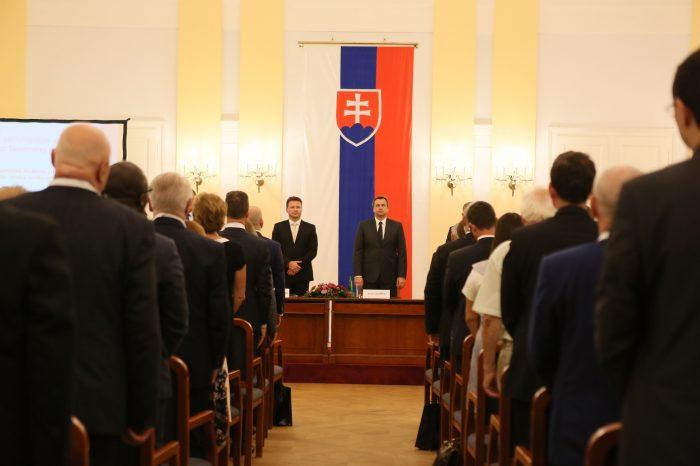 Právne a parlamentné aspekty štátnosti Slovenskej republiky
