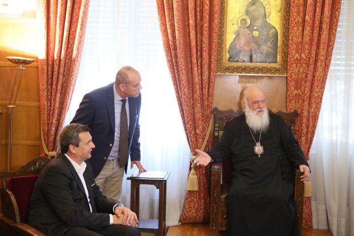 Predsedu parlamentu prijal arcibiskup Atén a celého Grécka Hieronym II.