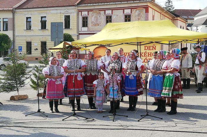 Deň slovenského folklóru pod záštitou poslanca NR SR za SNS Petra Pamulu.