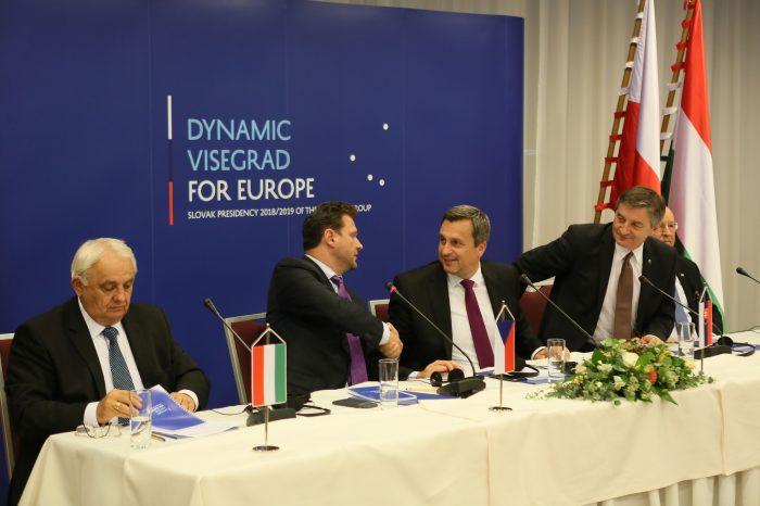Andrej Danko: Vidím rozdiel medzi mojím a prezidentovým vnímaním pozície Slovenska. Nie sme mafiánsky štát. Náš postoj je medzinárodne dôležitý a našich partnerov musíme podržať.