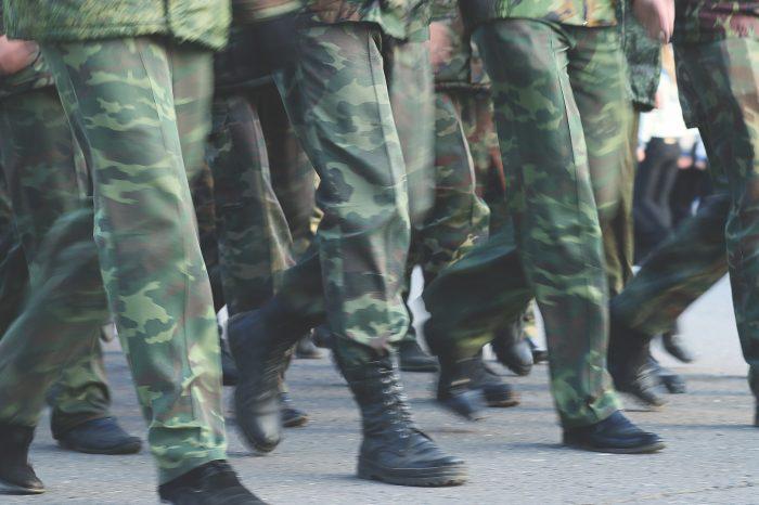SNS protestuje proti zriadeniu armády v Kosove