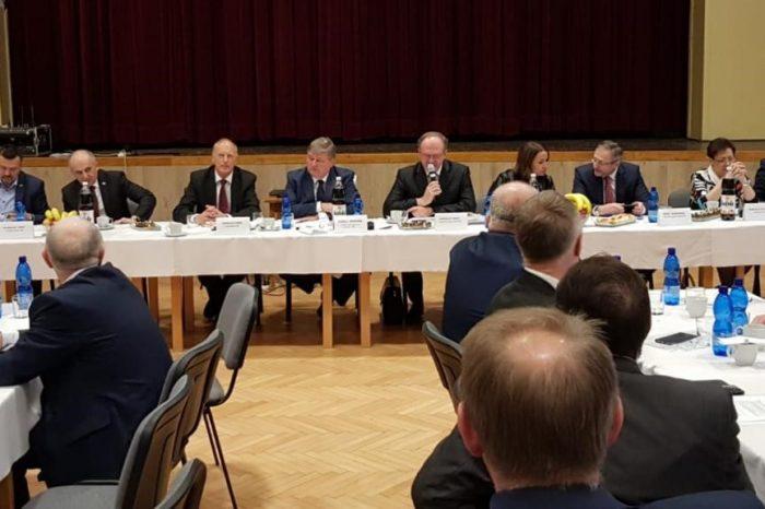 Juraj Soboňa zorganizoval stretnutie Rady primátorov a starostov SNS v Solčanoch