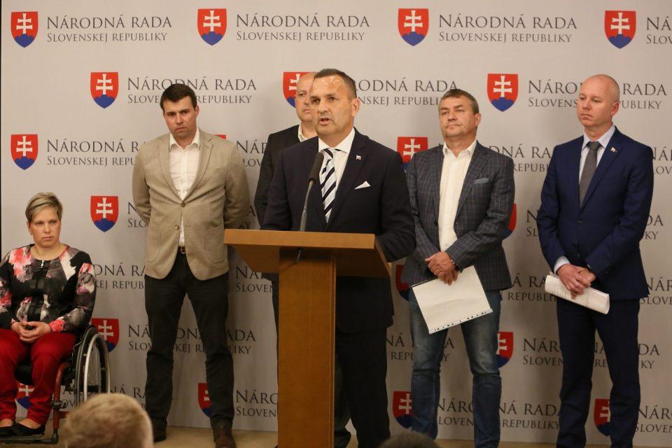 D. Tittel, T. Jančula , J. Gönci, A. Siekel - O podpore slovenského športu