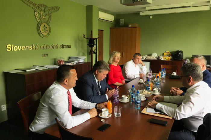 Zasadnutie sociálneho kabinetu a rady primátorov a starostov za SNS na pôde NR SR