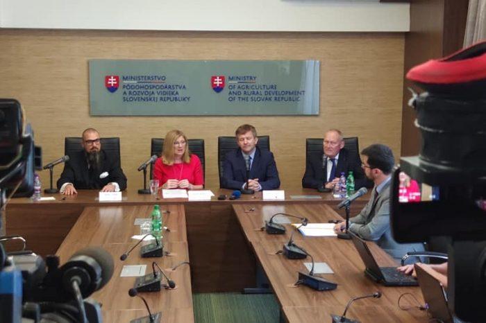 G. Matečná, I. A. Leshcheny a D. J. Krátky - O investíciách farmárov v Bielorusku