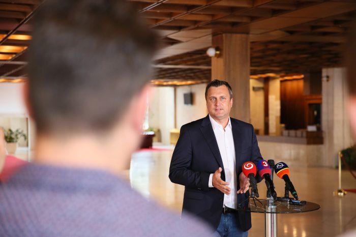 Predseda Slovenskej národnej strany a Národnej rady Slovenskej republiky Andrej Danko v pondelok predstavil výsledky rokovania koaličnej rady. Vyzdvihol najmä to, že sa mu podarilo presadiť všetky avizované opatrenia.