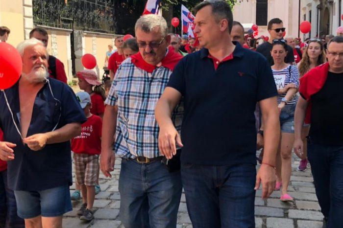 ANDREJ DANKO sa zúčastnil pochodu Hrdí na rodinu. SNS je proti experimentovaniu na malých deťoch, pretože aj tie majú svoje práva.