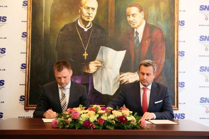 Andrej Danko: SNS podpísala Memorandum za život a vlasť, za ochranu života. Aj tým zastavujeme liberálne šialenstvá.
