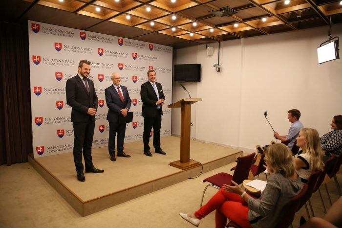 Andrej Danko: Keď sa ekonomike štátu darí, musia to ľudia reálne cítiť. O to viac, ak ide o našich dôchodcov!