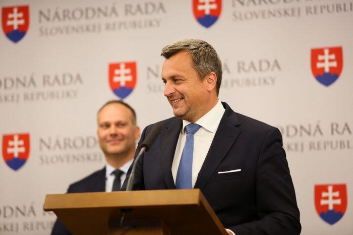 Andrej Danko: Znižujeme dane z príjmu pre firmy a živnostníkov na 15%
