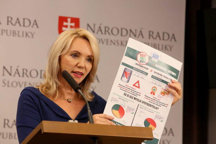 E. Antošová: Koniec vyhadzovaniu potravín a kozmetiky, obchody ich budú môcť darovať charite.