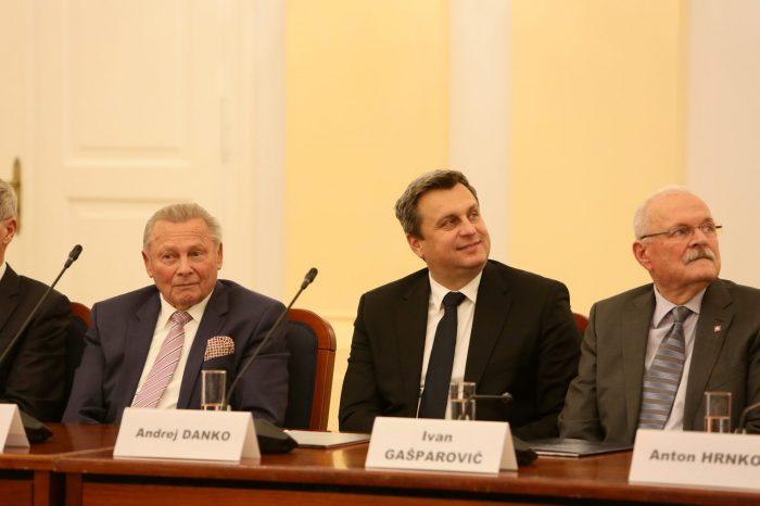 Andrej Danko: Cesta k dnešnému Slovensku bola kľukatá. Klaniam sa všetkým, ktorí nás touto cestou viedli