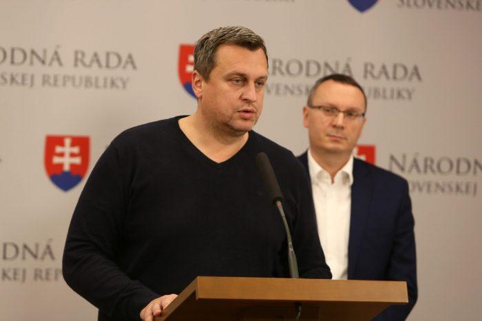 Andrej Danko: Bojím sa, že poslanci budú pri hlasovaní o podnikových bytoch politikárčiť. Doplatia na to zamestnanci aj zamestnávatelia