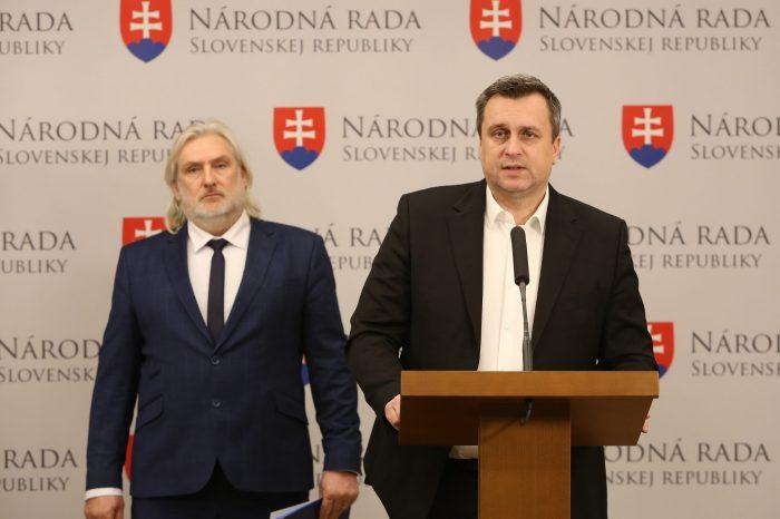 Andrej Danko: Nik nesmie ignorovať uznesenie parlamentu, ani prezidentka