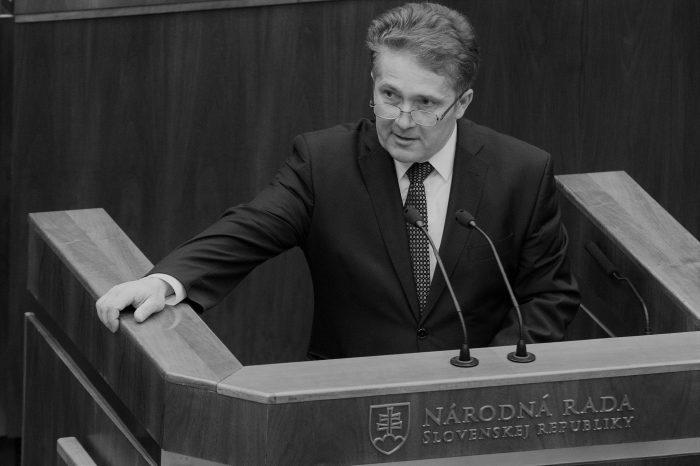 Andrej Danko: Vyjadrujem ako bývalý kolega úprimnú sústrasť rodine poslanca NR SR Ľubomíra Petráka.