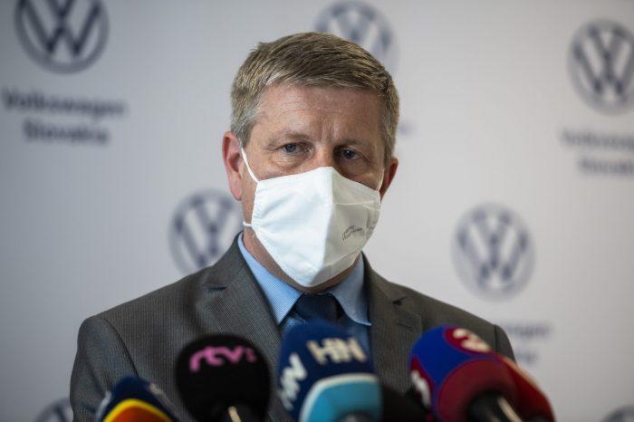 Slovenská národná strana vyzýva Vladimíra Lengvarského, aby všade zrušil diskriminačné opatrenia