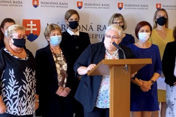 Slovenská národná strana vyzýva stranu OĽaNO na sebareflexiu a zastavenie napätia v spoločnosti